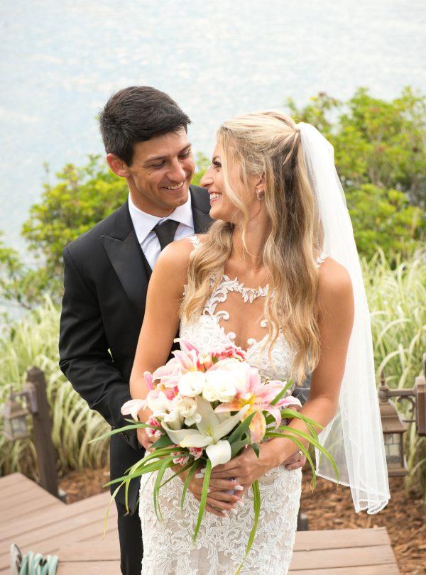 Posing Wedding Couple Photography
